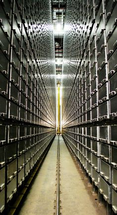 High-density automated shelving systems at the Joe and Rika Mansueto Library, University of Chicago.