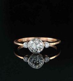 100 Simple Vintage Engagement Rings Inspiration (22) #vintageengagementringssimple