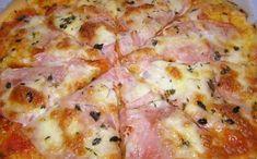 Vynikajúca pizza, ktorú pripravíte za pár minút. Cesto pripravené z bieleho jogurtu a na vrch zvolíte suroviny podľa vlastnej chuti. - Báječná vareška Cold Vegetable Pizza, Vegetable Pizza Recipes, Cooking Bread, Cooking Recipes, Healthy Recipes, Flatbread Pizza, Tomato Pizza Recipe, Quiches, Czech Recipes
