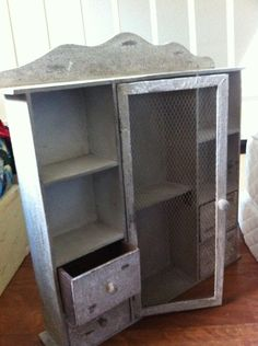 DIY Steps to Painting Furniture in Shabby Chic Style