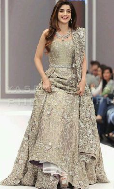 Indian Pakistani Bridal Anarkali Suits & Gowns Collection Wedding Fancy Anarkali suits for Asian brides in best designs and styles. Bridal Anarkali Suits, Pakistani Wedding Dresses, Indian Wedding Outfits, Bridal Outfits, Indian Outfits, Indian Reception Outfit, Walima Dress, Reception Dresses, Indian Gowns