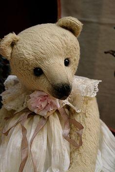 Diva by Lilya Valeeva  One of my fav bear makers!