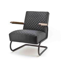 Fauteuil Marc 97652is een eigentijdse fauteuil uitgevoerd met opvallend stiksel en houten armleggers. Alleen verkrijgbaar in Java leer in de kleuren blauw, donkerbruin, zwart en cognac. Delen