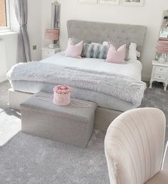 The curved quilted headboard looks great in this pink and grey bedroom interior. inspirations grey Pink and grey bedroom interios Bedroom Decor Grey Pink, Pink And Grey Room, Bedroom Decor For Teen Girls, Girl Bedroom Designs, Room Ideas Bedroom, Pink And Silver Bedroom, Teen Bedroom, Grey Bedrooms, Pink Grey