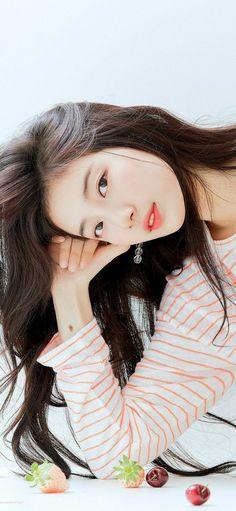 Bae Suzy, Beautiful Girl Image, Beautiful Asian Women, Suzy Bae Fashion, Cute Korean Girl, Female Character Inspiration, Uzzlang Girl, Girl Photography Poses, Flower Boys