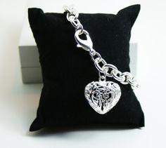 :: Armband mit Herz ::  HIER zum eShop ->> http://stores.ebay.de/Schickovna