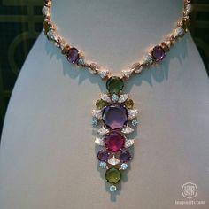 #Bulgari necklace #BiennaledesAntiquires #Paris