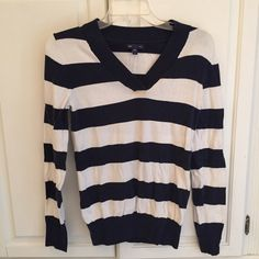 GAP navy blue and white cotton sweater S GAP navy blue and white cotton sweater S. Worn several times. GAP Sweaters V-Necks