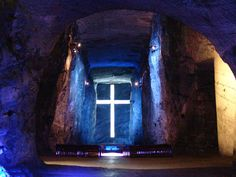 The Salt Cathedral of Zipaquirá in Cundinamarca, Colombia. It's an underground Roman Catholic church built within the tunnels of a salt mine. It can be found 250 meters underground in the Halite mountain. 14 Beautiful Churches From All Over The World Largest Countries, Countries Of The World, Colombia Travel, Church Design, Kirchen, Where To Go, All Over The World, Places, Temples