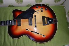 Saw this rare bird on eBay:     Fender Montego II Jazz Guitar Rossmeisel