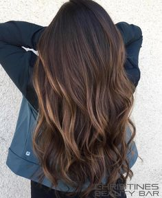Hair hair styles, curly hair styles et balayage hair. Balayage Hair Blonde, Brown Blonde Hair, Ombre Hair, Wavy Hair, Beliage Hair, Long Brunette Hair, Brunette Color, Bayalage, Haircolor