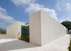 Biblioteca Sant Josep by Ramon Esteve Estudio - Board formed concrete walls