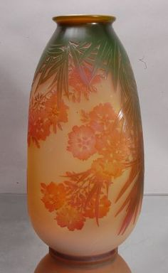 Emile Galle´ Cameo French Art Glass Vase