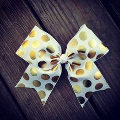 Handmade Gold Polka Dot Cheer Bow Can be worn alone or attached to any interchangeable headband, crochet headband, or to any tutu in the shop. Cute Cheer Bows, Cheer Mom, Big Bows, Cheer Stuff, Softball Bows, Cheerleading Bows, Softball Hair, Bow Board, Jojo Bows