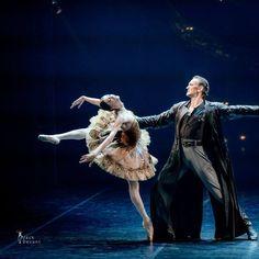 Red Giselle -- sad story about one of the greatest Russian ballerina Olga Spessivtseva, told by choreographer Boris Eifman. Danced by Anastasia Soboleva (Mikhailovsky Ballet) and Eifman Ballet soloists. Jack Devant ballet photography
