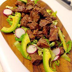 赤身のお肉をたんまりと♡意外にあっさりと食べられるのがいいのです。 - 44件のもぐもぐ - 一口ステーキサラダ by ajiansao