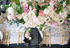 We love how striking the black accents are on this #tablescape- the black napkins, #linens, and #stationery are so unexpected, allowing the sleek #gold #flatware to really pop. Don't even get us started on the exquisite #centrepiece by Fleurish Design Studio! Instagram repost: simplybeautifuldecor | #wedding #luxury #weddinginspiration #tabledecor
