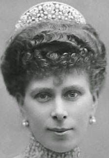 Tiara Mania: Gloucester Leafage Tiara worn by Queen Mary of the United Kingdom