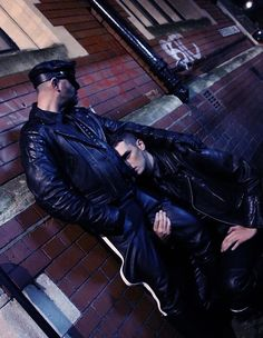 In the backstreets of Old Bristol. Pic ©Neil Z Page, 2013. #LeatherBristol #LeatherStreet #LeatherUK 🇬🇧