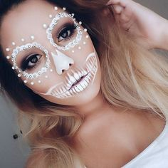 Halloween !! Make-Up #rebels #dayofthedead #skullmakeup #skull #makeup #makeupinspo