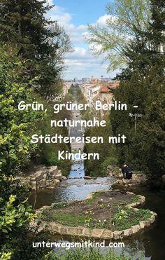Berlin ist eines der beliebtesten Ziele für Städtereisen mit Kindern. Damit die Kleinen zwischen Sightseeing und Shopping bei Laune bleiben, helfen kurze Auszeiten im Grünen. Dort können die Kids toben und die Eltern durchatmen. Zum Glück ist die Hauptstadt so grün wie kaum eine andere Metropole. Der nächste Park ist nie weit. Und – psst! – in manchen Berliner Parks und Gärten verstecken sich weitere Sehenswürdigkeiten – aber deshalb gehen wir natürlich nicht hin ;-)