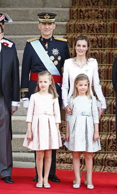 Furture Queen of Spain, Princess Leonor (left, front) in The Coronation of her father, King Felipe VI, and mother, Queen Letizia