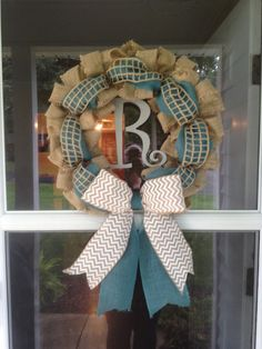 Easy burlap wreath!