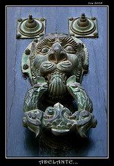 Adelante... - Santiago de Compostela (diegoperez74) Tags: door espaa spain puerta cathedral lion catedral galicia galiza leon santiagodecompostela compostela knocker aldaba llamador heurtoir