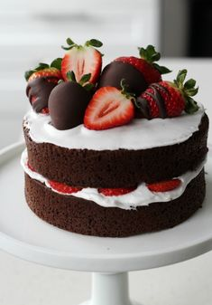 A Naked Chocolate Cake with Dairy-Free Coconut Cream topped with Chocolate Dipped Strawberries. The perfect pair for Valentine's day. Chocolate Strawberry Cake, Chocolate Dipped Strawberries, Strawberry Dip, Strawberry Cakes, Chocolate Naked Cake, Strawberry Shortcake, Chocolate Chocolate, Cake Recipes, Dessert Recipes