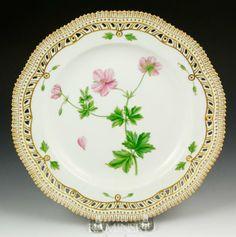 flora danica plates | 1335: Flora Danica Dinner Plate : Lot 1335