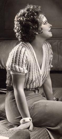Sitting Beauty ☆ Clara Bow ☆ Hoop-La (1933) ☆
