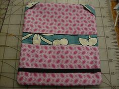 Prettier Checkbook Tutorial – Mudmuffins and Woogiemonsters Sewing Hacks, Sewing Tutorials, Sewing Patterns, Sewing Tips, Sewing Ideas, Fabric Crafts, Sewing Crafts, Sewing Projects, Checkbook Cover