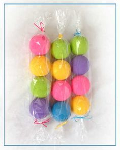 Image from victorialyn.com --- Wondering if we could make this using small foam balls? balloons? for a Candy Land Christmas Tree))))) @Carrie Mcknelly Martin