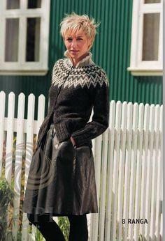- Icelandic RANGA - Black or brown (zipper) - Wool Knitting Kit - Nordic Store Icelandic Wool Sweaters für Frauen Fair Isles RANGA - Black or brown (zipper) - Knitting Kit Knitting Kits, Fair Isle Knitting, Knitting Patterns Free, Hand Knitting, Free Pattern, Crochet Patterns, Icelandic Sweaters, Wool Sweaters, Black Sweaters