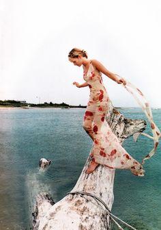 ☆ Georgina Grenville | Photography by Gilles Bensimon | For Elle Magazine US | September 1996 ☆ #Georgina_Grenville #Gilles_Bensimon #Elle #1996