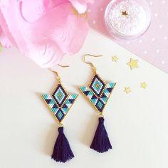 Brick Stitch Earrings, Seed Bead Earrings, Diy Earrings, Hoop Earrings, Beaded Earrings Patterns, Bracelet Patterns, Beading Patterns, Jewelry Crafts, Handmade Jewelry