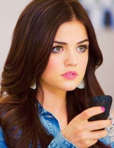 Image shared by B ∞. Find images and videos about pretty little liars, pll and lucy hale on We Heart It - the app to get lost in what you love. Pretty Little Liars Aria, Pretty Little Liars Seasons, Pretty Little Liars Fashion, Lucy Hale Hair, Lucy Hale Style, Aria Style, Aria Montgomery Makeup, Aria Montgomery Aesthetic, School