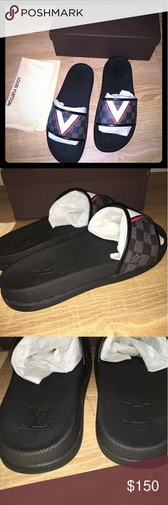 Louis Vuitton slippers New with box Men size 9.5  Women size 11 Fast 2-3 days priority shipping Louis Vuitton Shoes Sandals & Flip-Flops