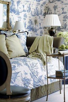 Blue and white toile de Jouy Beautiful Bedrooms, Beautiful Interiors, Blue Rooms, White Houses, White Decor, Living Spaces, Living Room, Blue And White, White Art