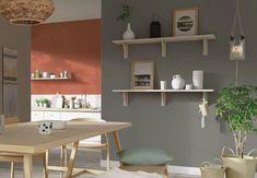 Peinture couleur taupe en décoration : inspirations et conseils Home Office Colors, Office Desk, Floating Shelves, Decoration, Ideas, Furniture, Recherche Google, Home Decor, Loft