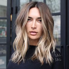 It's always Beachy in California✌ Color @mizzchoi Cut/Style @salsalhair #salsalhair #mizzchoi #beachyhair #sexyhair #messyhair #waves #hairgoals