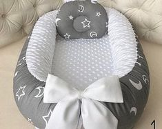 Diy Crafts - Babynest for Newborn Sleep bed Baby nest co sleeper baby Baby Nest Pattern, Snuggle Nest, Baby Nest Bed, Co Sleeper, Newborn Sleeper, Baby Cocoon, Baby Room Decor, Room Baby, Baby Pillows