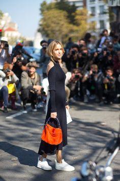 shoulders_orange black & white streetstyle