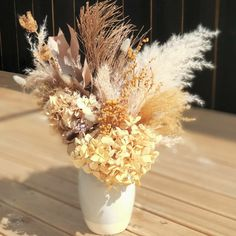 Dried Flowers, Table Decorations, Diy, Furniture, Home Decor, Dry Flowers, Do It Yourself, Homemade Home Decor, Bricolage