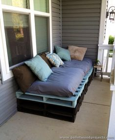 Pallet Sofa with Colorful Pillows