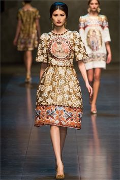 344ea36fdaf7 Dolce   Gabbana Milano - Collections Fall Winter 2013-14 - Shows - Vogue.it