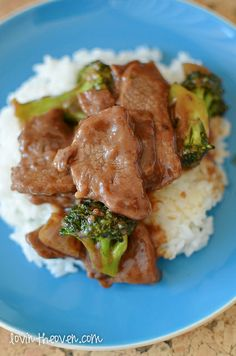 BEEF AND BROCCOLI 3 tbs cornstarch- 1/2 c water + 2 tbs - 1/2 tsp garlic pdr- 1 lb boneless round steak or 1 lb charcoal chuck steak- 2 tbs oil- 4 c broccoli- 1 onion- 1/3 c low sodium soy sauce- 2 tbs brown sugar- 1 tsp ginger- hot cooked rice-