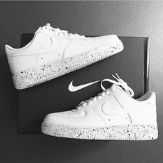 Sneakers For Girl : Nike Free, Womens Nike Shoes… Basket Nike Air, Baskets Nike, Nike Free Shoes, Nike Shoes Outlet, Dream Shoes, Custom Shoes, Me Too Shoes, Fashion Shoes, Net Fashion