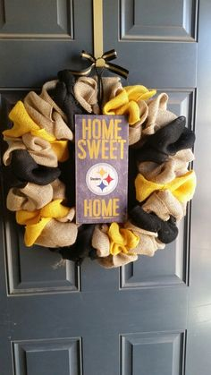 Our 2016 Pittsburgh Steelers Wreath! Steelers Gifts, Steelers Football, Pittsburgh Steelers, Steelers Gear, Dallas Cowboys, Wreath Crafts, Diy Wreath, Burlap Wreath, Wreath Ideas