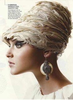 New York Millionairess Feather Headpiece, Feather Hat, Headdress, Moda Retro, Visor Hats, Women's Hats, Millinery Hats, Fancy Hats, Wearing A Hat
